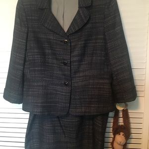 Tahari Blue and white skirt suit size 16